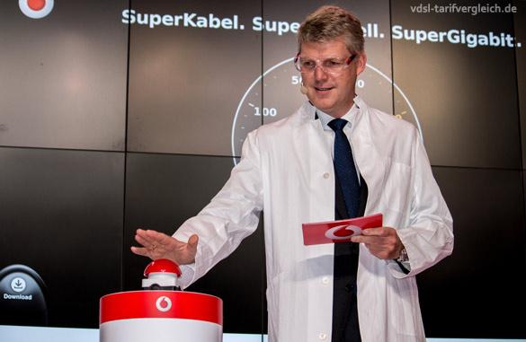 Jens-Schulte-Bockum testet Gigabit auf der IFA