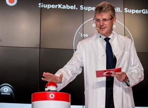 Vodafone CEO Jens-Schulte-Bockum startet das neue Internetzeialter